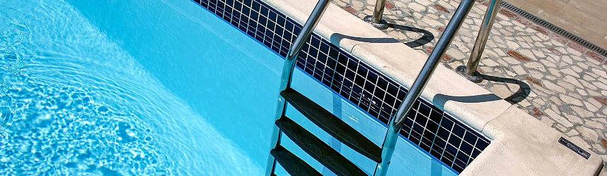 scalette per ingresso piscina
