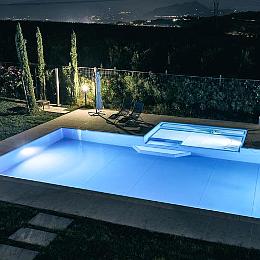 Illuminazione per piscine interrate e fuoriterra - Illuminazione piscina ...