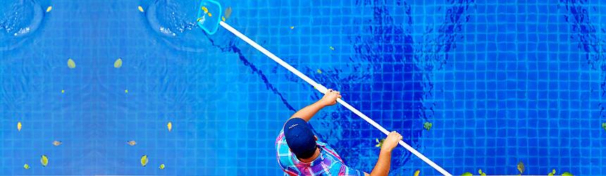 Pulizia e manutenzione piscina